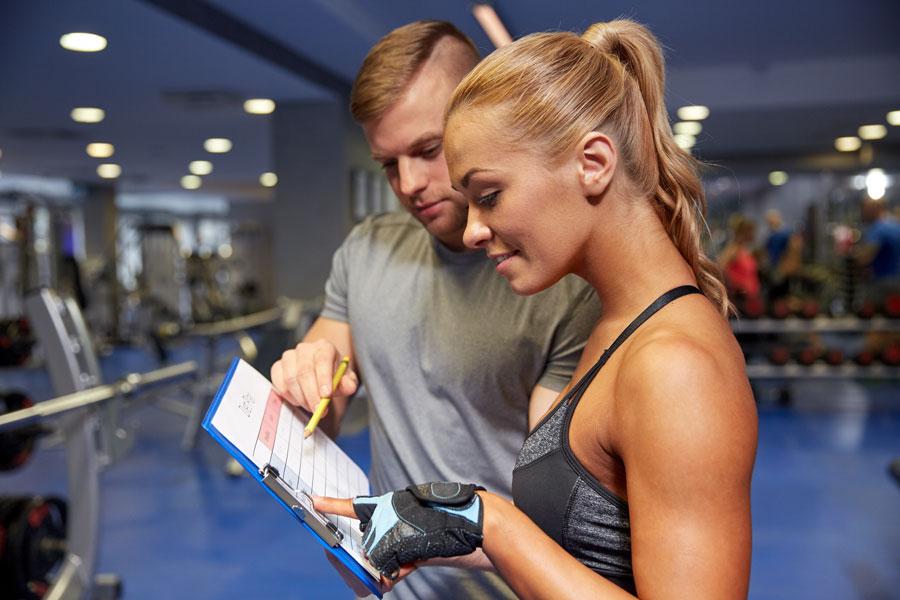 foto scheda di allenamento in palestra